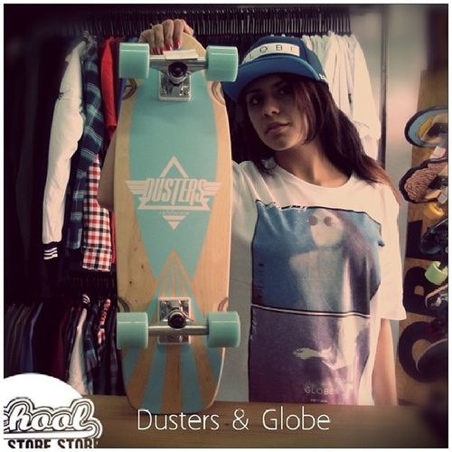 Cruiser Dusters Bone  Camiseta globe unitedbyfate novidade variedade schoolstore school store core lifestyle urbanwear skateshop boardshop siga followme follow me