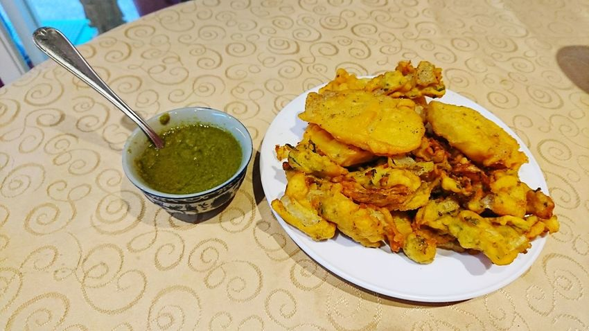 Food And Drink Food Indoors  Indulgence Ready-to-eat Plate Table Freshness Sweet Food Temptation No People Close-up Day Pakoda Indiansnacks