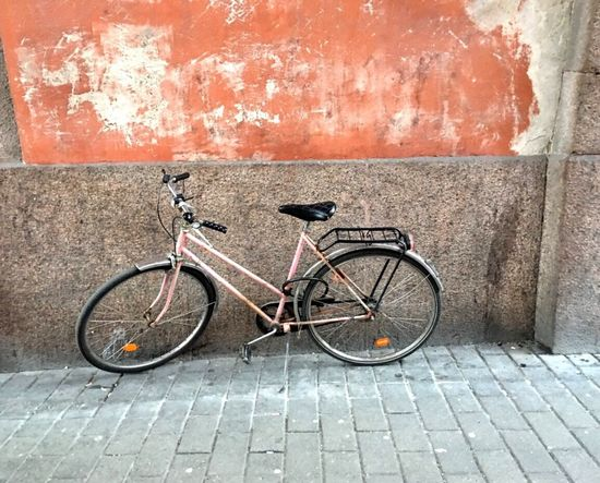 Bicycle Bike Building No People Outdoors Pink Stone Material Stones Stockholm Sweden Godaminnen