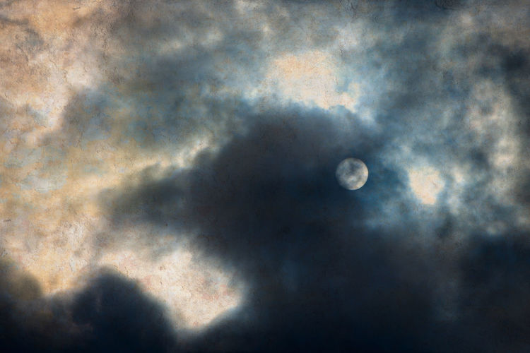 Moon Planet -