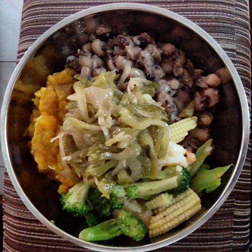 Lovely dinner Cauliflower Pumpkinmash Vege Bean shrimpbrownricedinnerdeliciousilovemymom