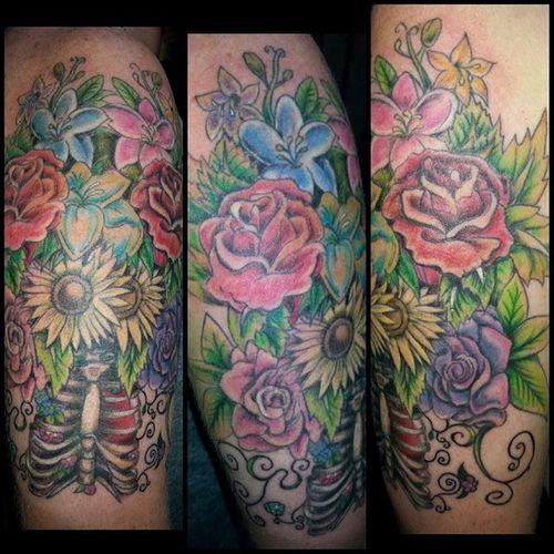 Tattoos Quartersleeve Flowertattoos GardenOfEden Customartwork Girlswithtattoos Tattedupgirls Tattooedandemployed @tatsbypope @maymessss