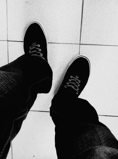 Hello World Taking Photos Popular Photos Photography My Unique Style People Fashion Sneakers Street Fashion Black And White
