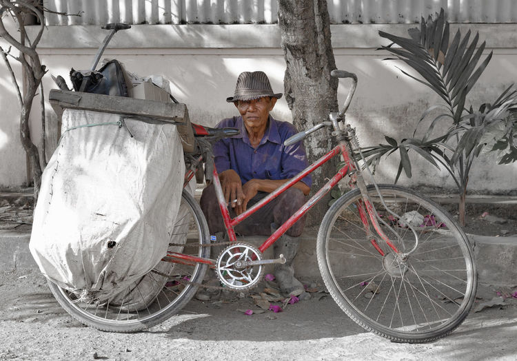 Hard Life Bali Bicycle Exhausted Man With Hat Old Man Poverty Reduced Saturation Smoker