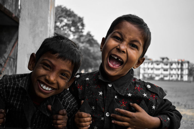 THEY CAN SMILE AT EVERY SITUATION Bonding Braveheart Cool Kids Enjoyment Happiness Happy Time Kids Monochrome Mouth Open Randomness Smile Smiling Teeth Togetherness