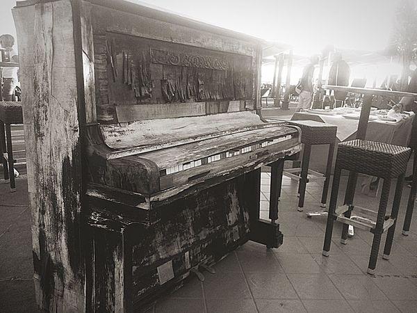 Monochrome Photography Oldpiano Piano Vintage Piano (null) Piano Vintage Pianointhesee See Classical Music Classicpiano B&w B&w Street Photography B&w Photography B&W Collections B&W Photo Lifestyle B&Wseries Piano Moments