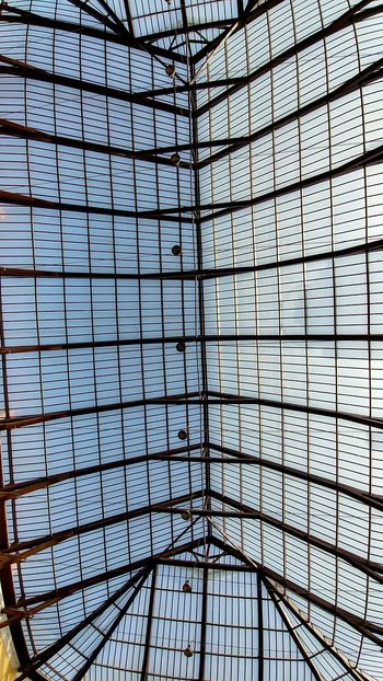 Canopy Familistere Jean-Baptiste André Godin Palais Social Utopia Architecture Backgrounds Built Structure Ceiling Close-up Day Full Frame Greenhouse Indoors  Low Angle View Modern No People Patrimoine Industriel Pattern Roof Sky