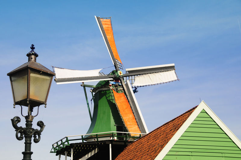 Open Air Museum Public Place Windkraft Windmill Windmühle Holland Niederlande Netherlands Alternative Energy Architecture Blue Building Building Exterior Built Structure Clear Sky Day Environmental Conservation Nature No People Outdoors Renewable Energy Sky Traditional Windmill Wind Power