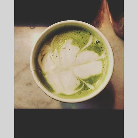 Got a green matcha latte and decided to be a little artisy. Tried to make a leaf design with the milk foam. Can I be a Barista now? Chicago Green Naturelovers design coffeetime