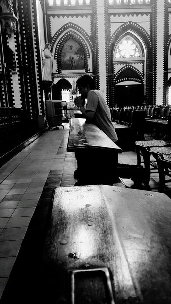 โบสถ์ Church Architecture Building Exterior Black & White Indoors  Men One Person People Pray Sitting Black And White Photography พม่า Myanmar St.marry EyeEm EyeEm Gallery EyeEmNewHere Live For The Story