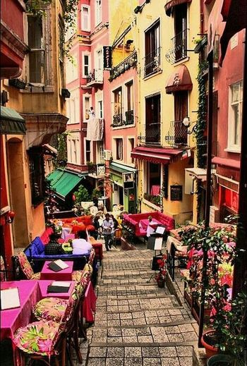 Building Exterior Architecture City Built Structure Balcony Travel Destinations Outdoors Day Istanbullovers Istanbul City Istanbul Turkey Beauty In Nature Cezayir Sokağı Cezayirstreet