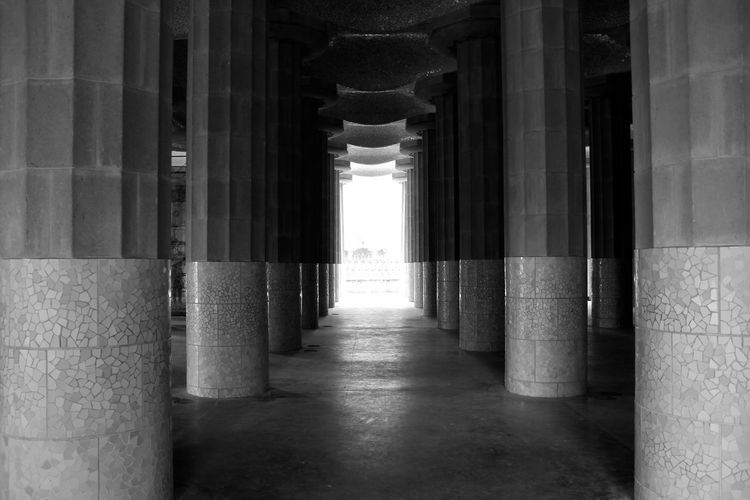 Architectural Column Architecture B&w Black And White Gaudi No People Park Güell, Barcelona Vanishing Point Feel The Journey Monochrome Photography