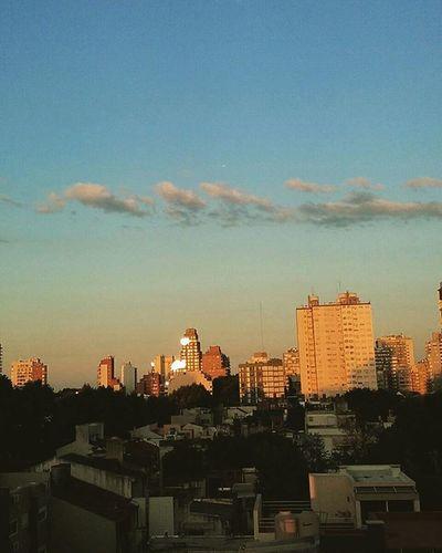 Bella tarde-noche 7:30pm Primavera Verano en Argentina Buenoaires Baciudad Igersargentina