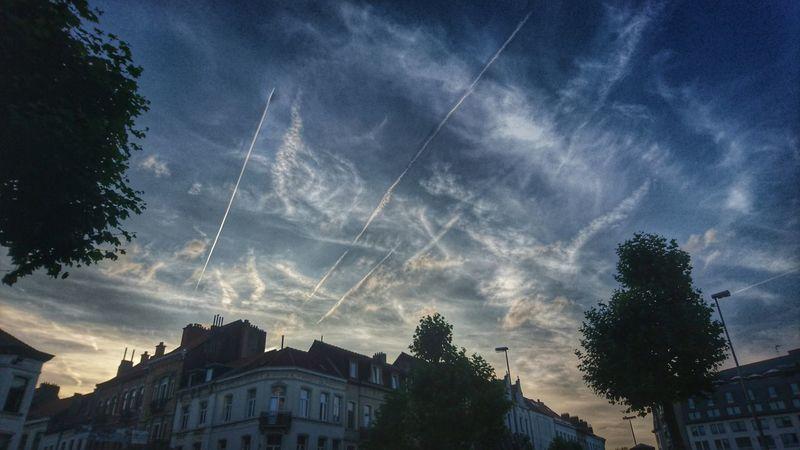 Brussels Bruxelles-Capital Bruxelles Place Jourdan Sky Planes In The Sky