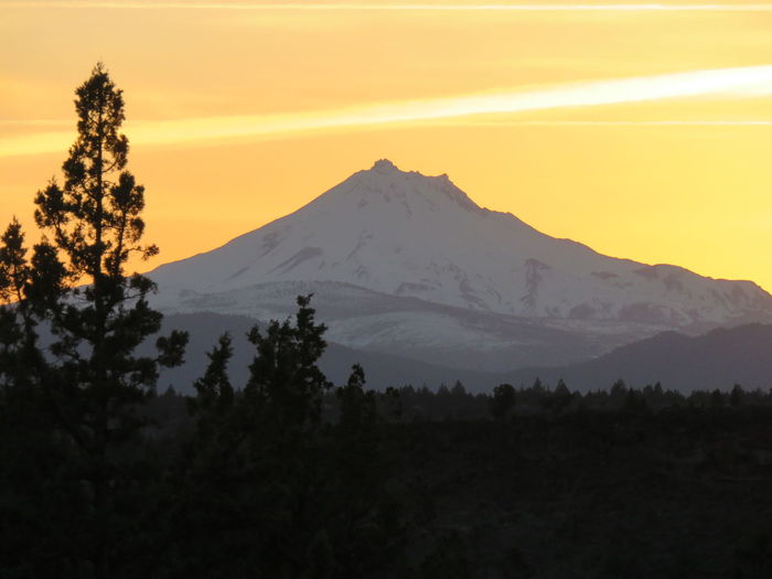 Cascade Mountains Cascade Volcanic Arc Mt. Jefferson Oregon Second Highest Mountain In Oregon Cascades Geological Formation Geology Stratovolcano Sunset Volcano
