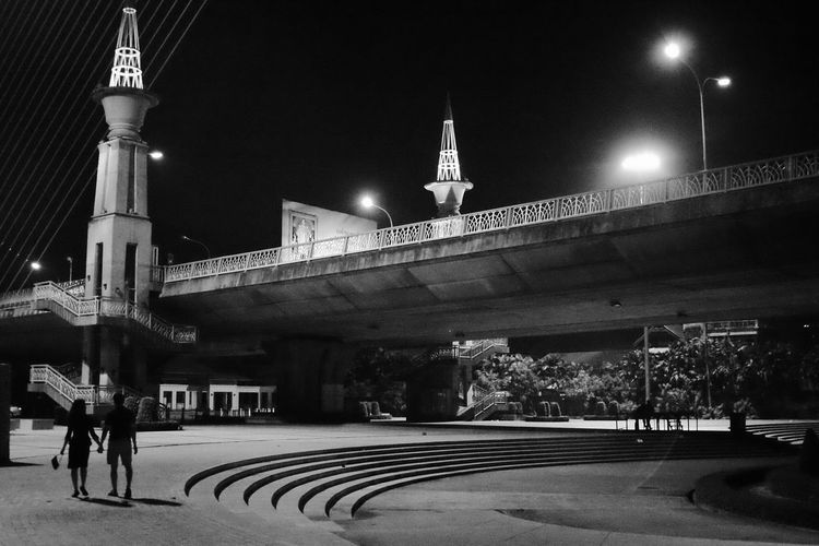 Night Architecture City Outdoors Built Structure People Blackandwhite Monochrome Streetphotography Rama8 Rama8bridge The Street Photographer - 2017 EyeEm Awards The Architect - 2017 EyeEm Awards The Great Outdoors - 2017 EyeEm Awards