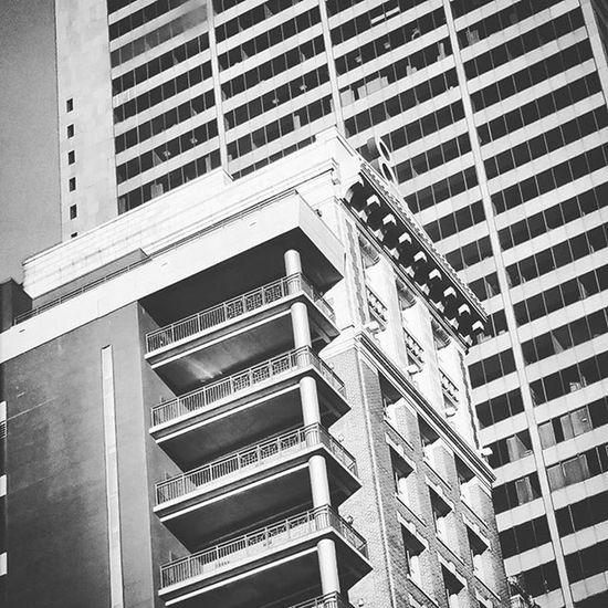 March 30th: lines Lotsoflines Apartment Socolumbus Columbusohio 419 Capitalcity Sodowntown Downtown Skyscrapers Ohio Blackandwhite Photography 365project 365 Ohioexplored Blackandwhitephotography Artitecture