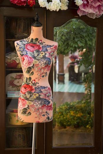Nostalgic tailor shop China Chinese Close-up Color Decoration Flower Multi Colored Nostalgia Nostalgia #recuerdos #buenos Recuerdos Oriental Pink Color Retro Still Life Tailor Tailor Shop Tailoring Tailormade Wardrobe