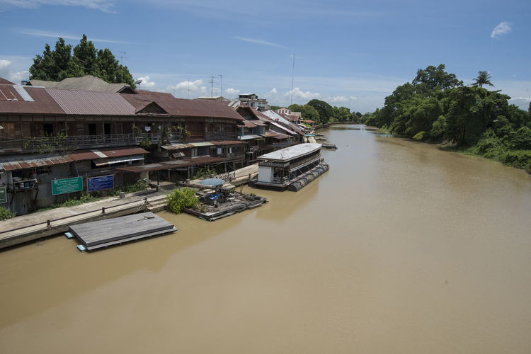 klong suan, Thailand 100 year old Market Town 100 ASIA Broad Klong Suan Market Market Roof Rooftop Thailand Architecture Day Dirty Floating House Muddy No People Old Outdoors River Sky Town Tree Water Wide Year
