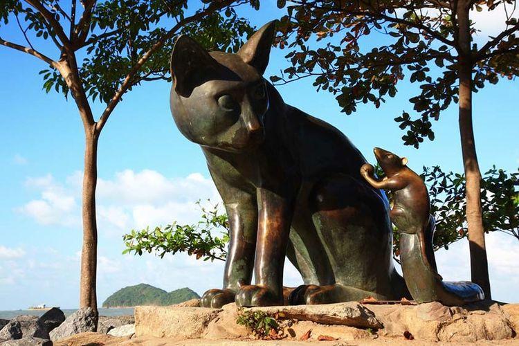 สงขลาบ้านเรา #Thailand #art #goodtimes #journey #travelling #สงขลา #สงขลาบ้านเรา Animal Animal Themes Art And Craft Day Domestic Animals Mammal Nature No People One Animal Outdoors Plant Sculpture Sky Sunlight Tree