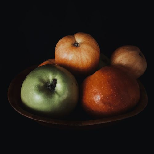 Apple fruits EyeEm Selects Eye4photography  EyeEm Gallery Still Life Eye4photography  Colors Healthy Healthy Eating Light Light And Shadow Food Food And Drink Healthy Eating Fruit Food Still Life Wellbeing Freshness Indoors  Black Background Studio Shot Close-up No People Table Apple - Fruit Green Color The Foodie - 2019 EyeEm Awards