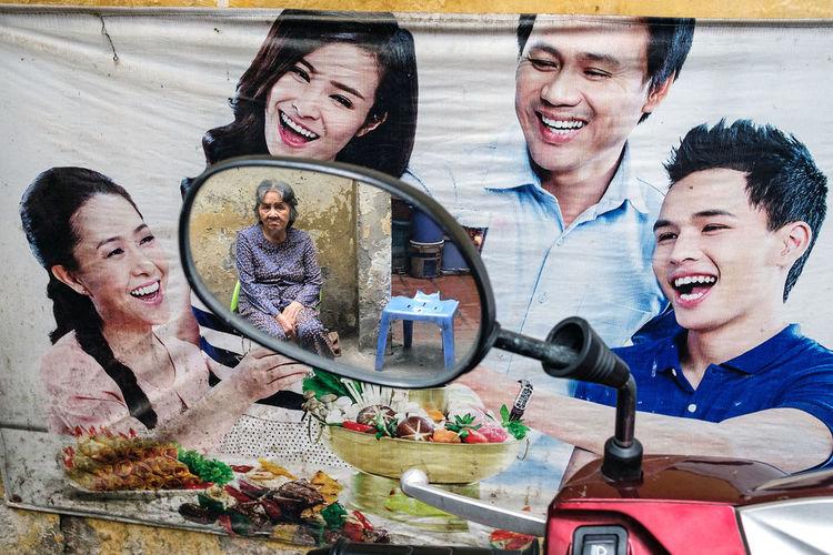 A happy-sad scene in the lanes of the Old Quarter of Hanoi, Vietnam. Smiling People Happiness ASIA Vietnam Hanoi Streetphotography Street Photography Fujifilm_xseries Fujifilm FUJIFILM X-T2 The Street Photographer - 2017 EyeEm Awards The Week On EyeEm Editor's Picks