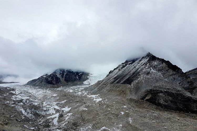 Cloud - Sky Sky Landscape Wandering Nature Outdoors Exploration Travel Wanderlust Explorer No People Nepal Glacier Mountains Basecamp Everest Region Everest Base Camp Mount Everest Black Mountains