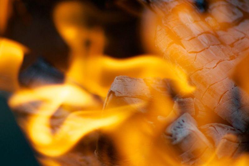 огонь пламя уголь языки пламяни Hot Fire Yellow Orange Color No People Outdoors Nature