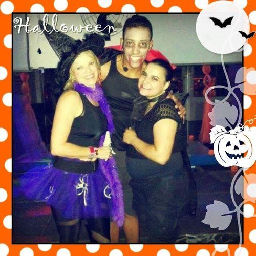 Halloween na Acquademia! Com as professoras e amigas queridas Tatiane e Nadir Halloween Docesoutravessuras
