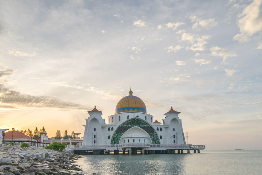 Beautiful sunrise at Malacca Straits Mosque (Masjid Selat Melaka) Architecture Building Exterior Built Structure Cloud - Sky Dawn Eid Eid Mubarak Moscow Mosque Ramadan  Ramadhan Reflection Sky Sunrise Sunset Water