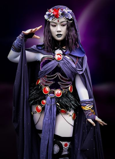 Raven - Teen Titans Cosplayer Cosplay Nycc2018 NYCC Raven Teentitans One Person Clothing Make-up Women Front View Long Hair Adult Beauty Portrait Fashion Beautiful Woman