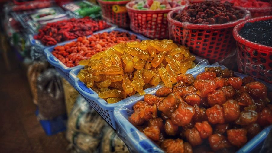 Food And Drink Food Freshness Market Retail  Healthy Eating Container Fruit Large Group Of Objects For Sale Choice Market Stall Wellbeing Variation Business High Angle View Abundance Still Life No People Plastic Retail Display Sale Snack