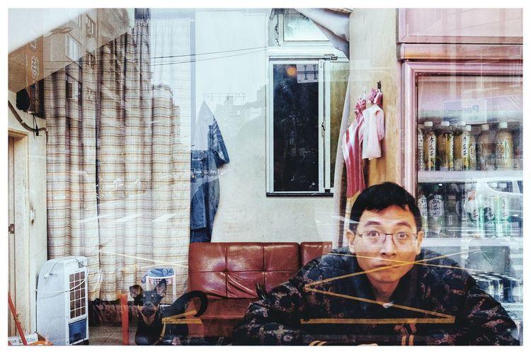 Taipei Taiwan Streetphotography Hanoi Vietnam  Streetphoto_color Streetphotographer Streetportrait Streetphotography_color Vietnam Travel Destinations Travel Photography Aroundtheworld Lifestyles Men Leisure Activity Indoors  People Pixelated Shades Of Winter EyeEmNewHere An Eye For Travel