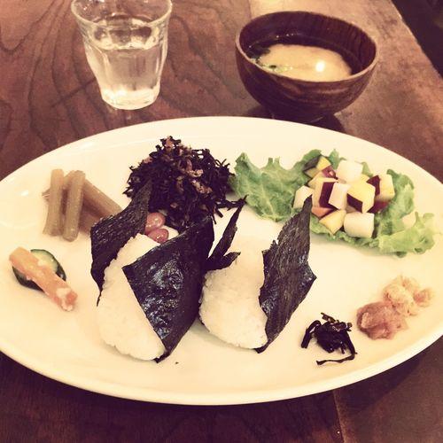 本日のランチヾ(❛◡❛)ノ おにぎり定食🍙 ¥1000