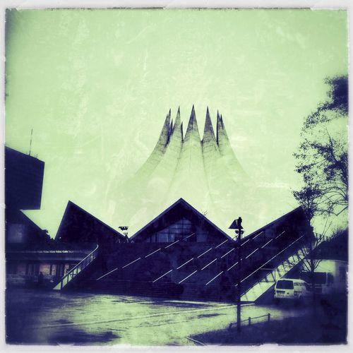 architecture at Tempodrom Architecture