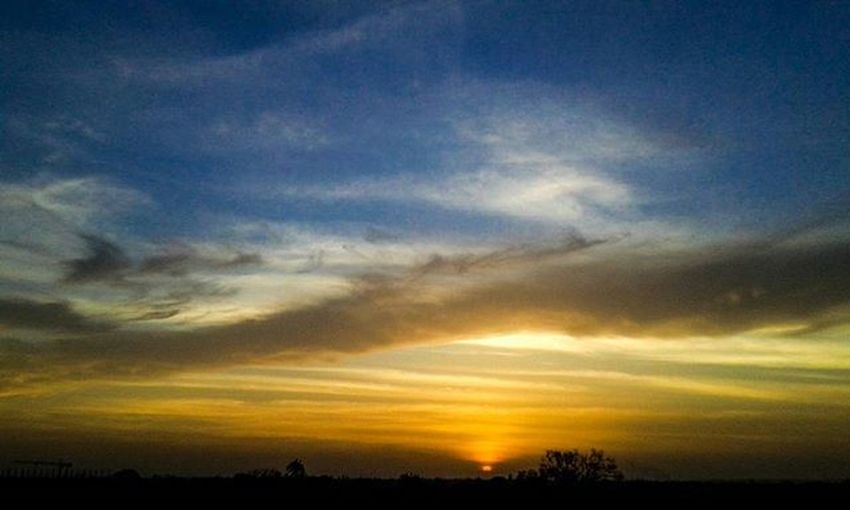 The dividing line... Ig_myshot Sunset Art Fineart Igs Ig_masterpiece Sunset_pics Sunset_vision Sunset_vision Sky_sultans AlishSphoto . Trend Bestpics Sunsetclicks