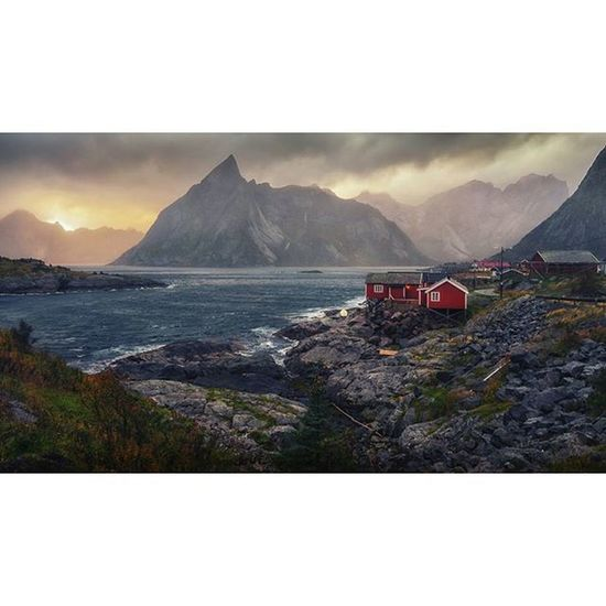 Hamnøy Lofoten Reine Norway Autumn Storm Sea Waves Sunset Fall - more pictures from my travels at http://sixweeksoffwork.co.uk 😃