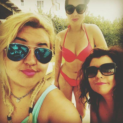 Girls Chilling Sun Pool Happy Girls Holidays