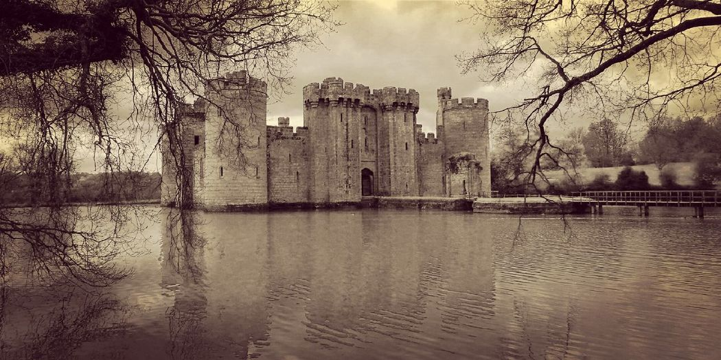 The Architect - 2016 EyeEm Awards Bodiam Castle Hanging Out Taking Photos Check This Out Hello World Relaxing Enjoying Life Modern Art Today's Hot Look Beautiful Magical Amazing