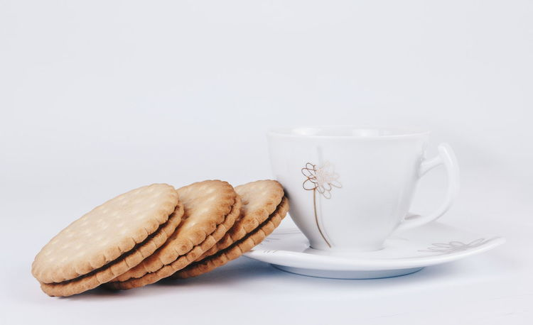 Tea Time Biscuit Time Biscuits🍪 Biscotti Biscuits Red Tea Enjoying Life Enjoy Breakfast Morning Cup Tea Cup Tea Close Up