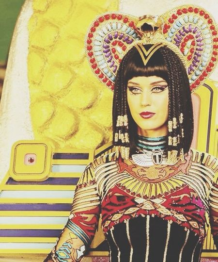 The queen <3 Katy Perry Dark Houses The Queen CLEOPATRA