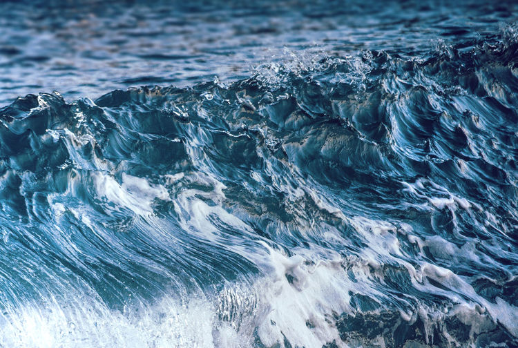 Full Frame Shot Of Water Flowing In Sea