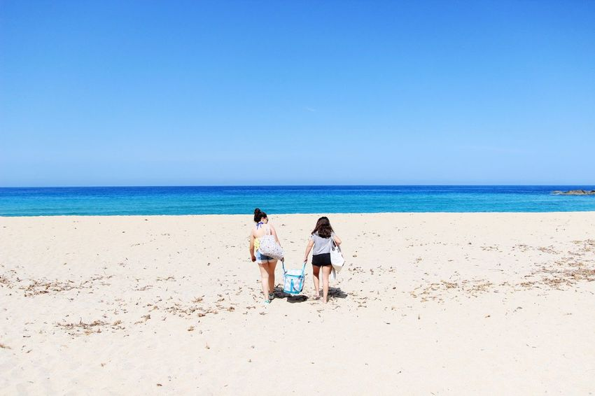 go to the beach 💙 Holyday Corsica Sunset Summer Beauty Family Love Daughter Mylove Friendship Clear Sky Young Women Water Sea Full Length Togetherness Beach Men Bonding Beach Holiday Young Couple Sand Dune