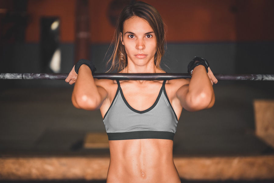 Abdominal Muscle Determination Exercising Indoor Activities Motivation Musculation  Squat Abs Blonde Exercising Cross Training Crossfit Crossfit Girl Energy Front Squat Kettlebell  Leg Workout Lifestyles Muscular Build One Person Real People Sport Clothing Stretching Training Weightlifting Workout