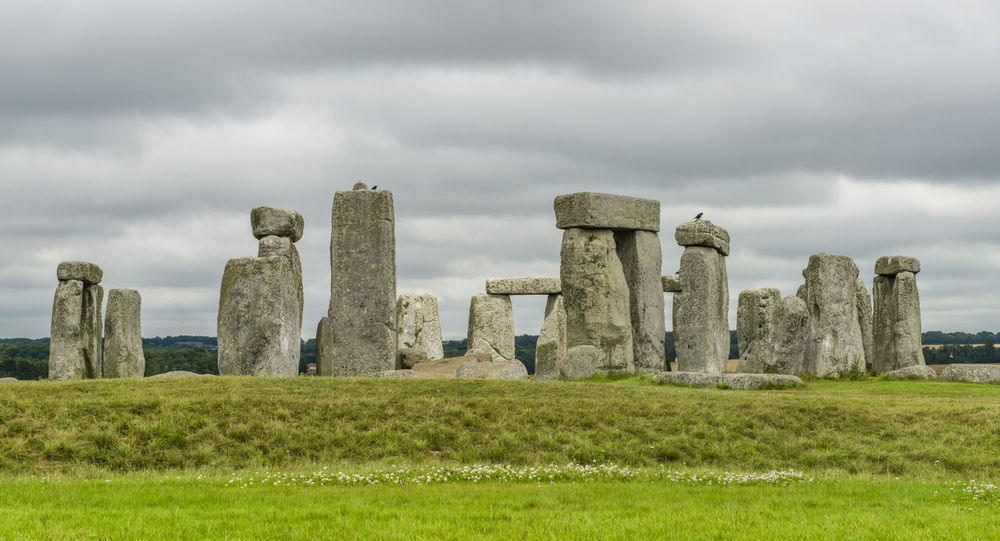 Stonehange on cloudy day Ancient Ancient Civilization Architecture Circle Cultures Day History Megalith Memorial Monument No People Old Ruin Outdoors Prehistoric Salisbury Sky Stonehange The Past Travel Destinations