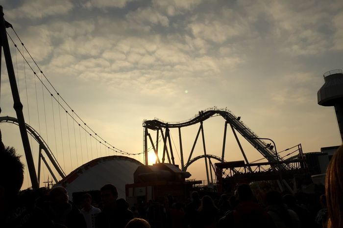 Light And Reflection Outdoor 🌅 Sunset Beautiful People Rides At Park