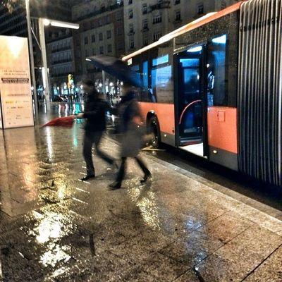 La prisa,y la Lluvia Zaragoza Buz Igersaragon igerszgz PlazaEspaña