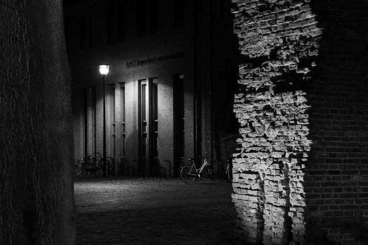 Architecture Built Structure No People Night Walkway Zwolle Artez Conservatorium Blackandwhite EyeEm Best Shots EyeEm Selects EyeEm Best Shots - Black + White Seetrough Doorkijkje Bicycle Fiets