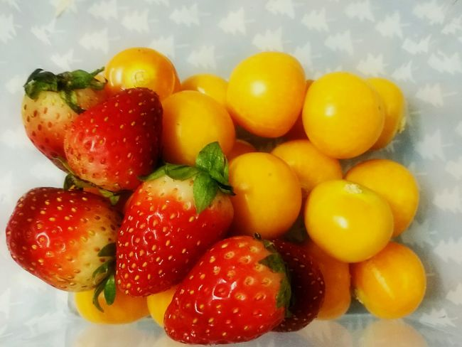 Freshness Food Fruit Healthy Eating Close-up No People Sweet Food Stawberry Gooseberry