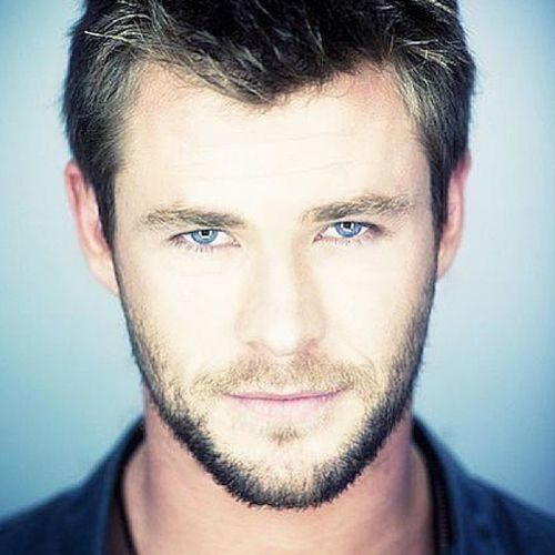 August photo challenge . ? Day 19. Celeb crush ? - Liam hemsworth ?? Omg Sohandsome Cometomomma Pleaselord yeslawd ????